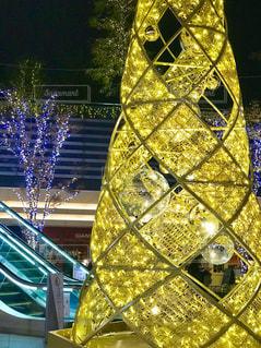 クリスマスツリーのイルミネーションの写真・画像素材[1644947]