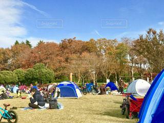 芝生広場は大賑わいの写真・画像素材[1646082]