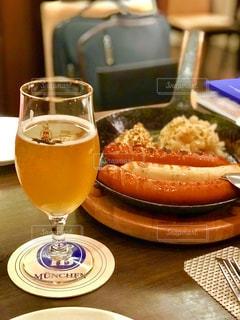 ドイツソーセージとビールの写真・画像素材[1667754]