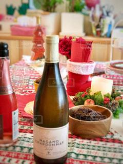 クリスマスはワインで乾杯の写真・画像素材[1667787]