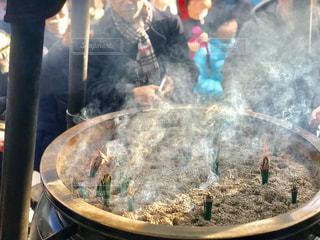 高尾山薬王院の常香炉の写真・画像素材[1709746]