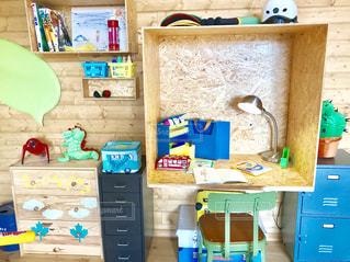 子供部屋の参考に、ログハウス風DIYの写真・画像素材[1746728]