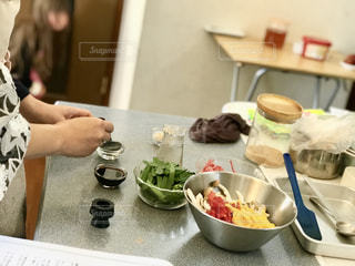 キッチンで料理の写真・画像素材[1755492]