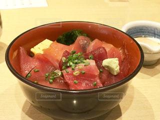 お寿司屋さんの漬け丼の写真・画像素材[1763819]