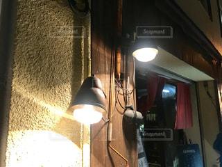 ランプの灯りの写真・画像素材[2129636]