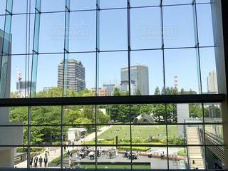 窓から見える公園の写真・画像素材[2159211]