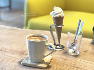 ココアとアイスクリームの写真・画像素材[2332862]
