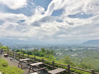 甲州勝沼のぶどうの丘からの眺めの写真・画像素材[2404938]