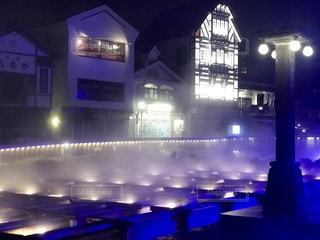 草津温泉、湯畑のライトアップの写真・画像素材[2437718]