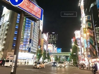 秋葉原、電気街の明かりは眩しいですの写真・画像素材[2490096]