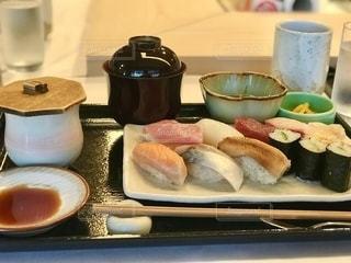 お寿司ランチの写真・画像素材[2496156]
