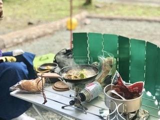 芦ノ湖キャンプ村で昼食の用意。の写真・画像素材[2692739]