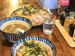 つけ麺とチャーシュー丼の写真・画像素材[2805710]