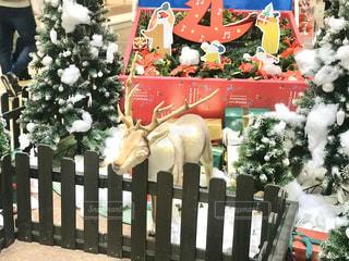 ショッピングセンターのクリスマスのオブジェの写真・画像素材[2821944]