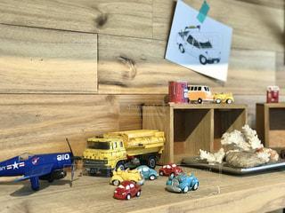 棚に飾られたミニカーの写真・画像素材[3170486]