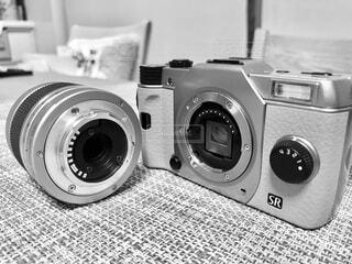 ミラーレス一眼カメラのクローズアップの写真・画像素材[3713440]