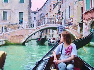 ベネチア旅行で乗ったゴンドラの風景をスケッチと水彩の絵画にしてみました。の写真・画像素材[3873589]