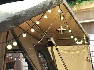 テントの灯りの写真・画像素材[3969769]