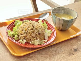 お昼に作った炒飯の出来が割と良かったので、思わず撮ってみました。の写真・画像素材[4176707]