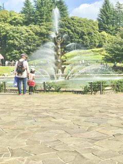 公園の噴水広場の写真・画像素材[4197590]