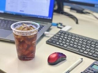 アイスコーヒーで一息の写真・画像素材[4657657]