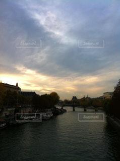 パリ、セーヌ川の写真・画像素材[3070219]