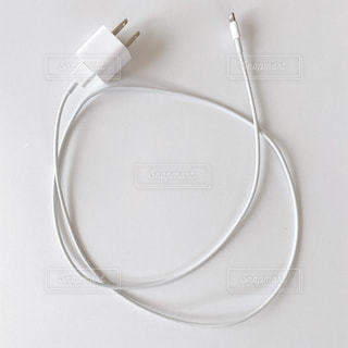 iPhone充電ケーブルの写真・画像素材[3235574]