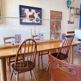 コロナ対策をしたカフェの写真・画像素材[3584035]
