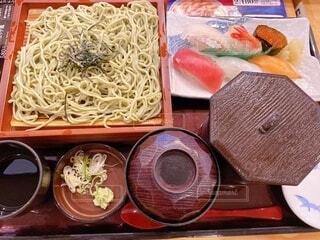 日本料理お蕎麦とお寿司の写真・画像素材[3821803]