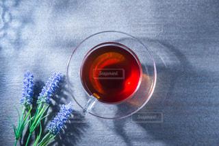 透明グラスに入った紅茶の写真・画像素材[3423911]