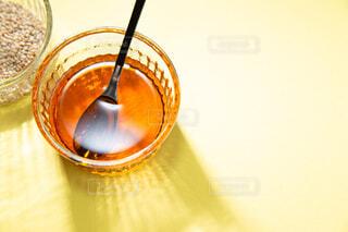 胡麻油と白ゴマ。料理・調理イメージ。の写真・画像素材[3847902]