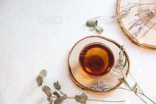 部屋でお茶を飲む。リラックスおうち時間。の写真・画像素材[3881151]