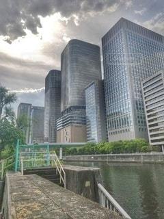 光が差し込む大阪の写真・画像素材[3212744]
