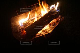 焚き火の写真・画像素材[3083844]