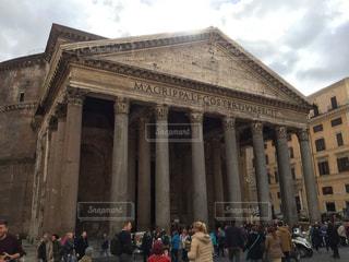 ローマ パンテオン前の写真・画像素材[3092477]