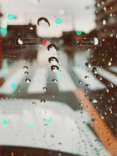 車窓から、雨の写真・画像素材[3085872]