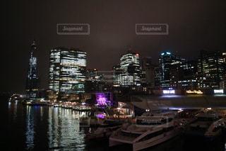 シドニーの夜の街並みの写真・画像素材[3086821]