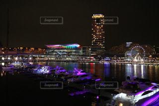 シドニーの夜の街並みの写真・画像素材[3086823]