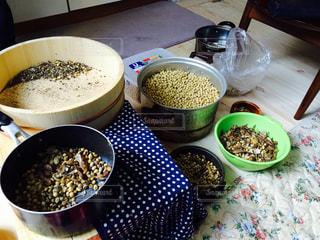 大豆の選別の写真・画像素材[3089525]