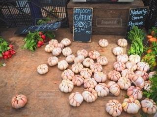 海外の市場の野菜の山の写真・画像素材[3106924]