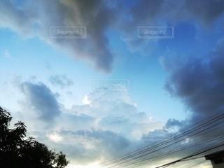 雨上がりに見た積乱雲の写真・画像素材[3105926]