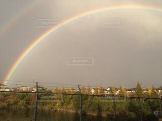 雨上がりの虹の写真・画像素材[3132452]