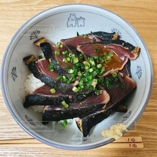 カツオのたたき丼の写真・画像素材[3482016]