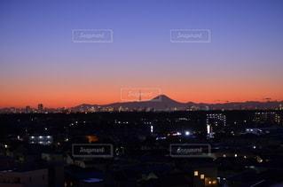 スカイツリー&富士山&ビル群(マジックアワー)の写真・画像素材[3124233]
