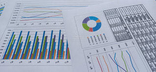 ビジネスイメージ(グラフ) 背景素材の写真・画像素材[3128707]