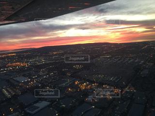 日没時の都市の眺めの写真・画像素材[3117136]