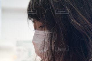 マスク着用 女性の写真・画像素材[3148543]