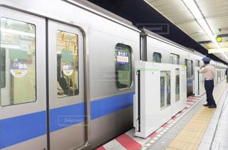 駅 発車 ホームドアの写真・画像素材[3173298]