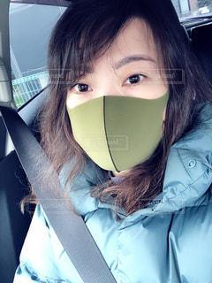 マスク着用 女性の写真・画像素材[3191466]