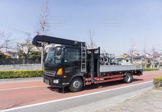 クレーン付きトラックの写真・画像素材[3218861]